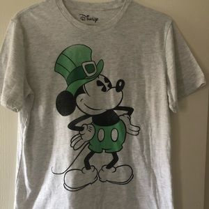 Disney Mickey Mouse Green St. Paddy's Day Tee - L